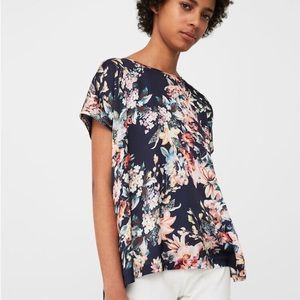 NWT Floral short sleeve light weight tee